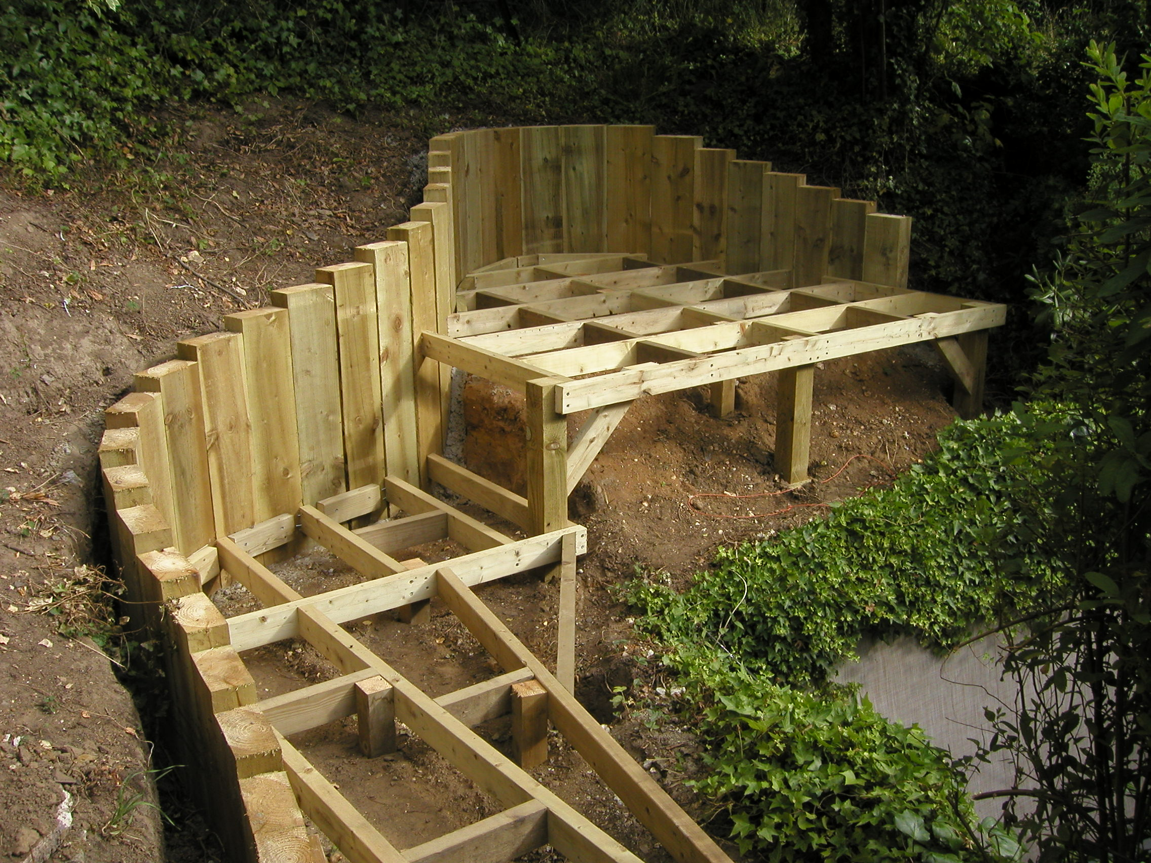 Adl timber structures decking garden landscaping sevenoaks for Timber deck construction